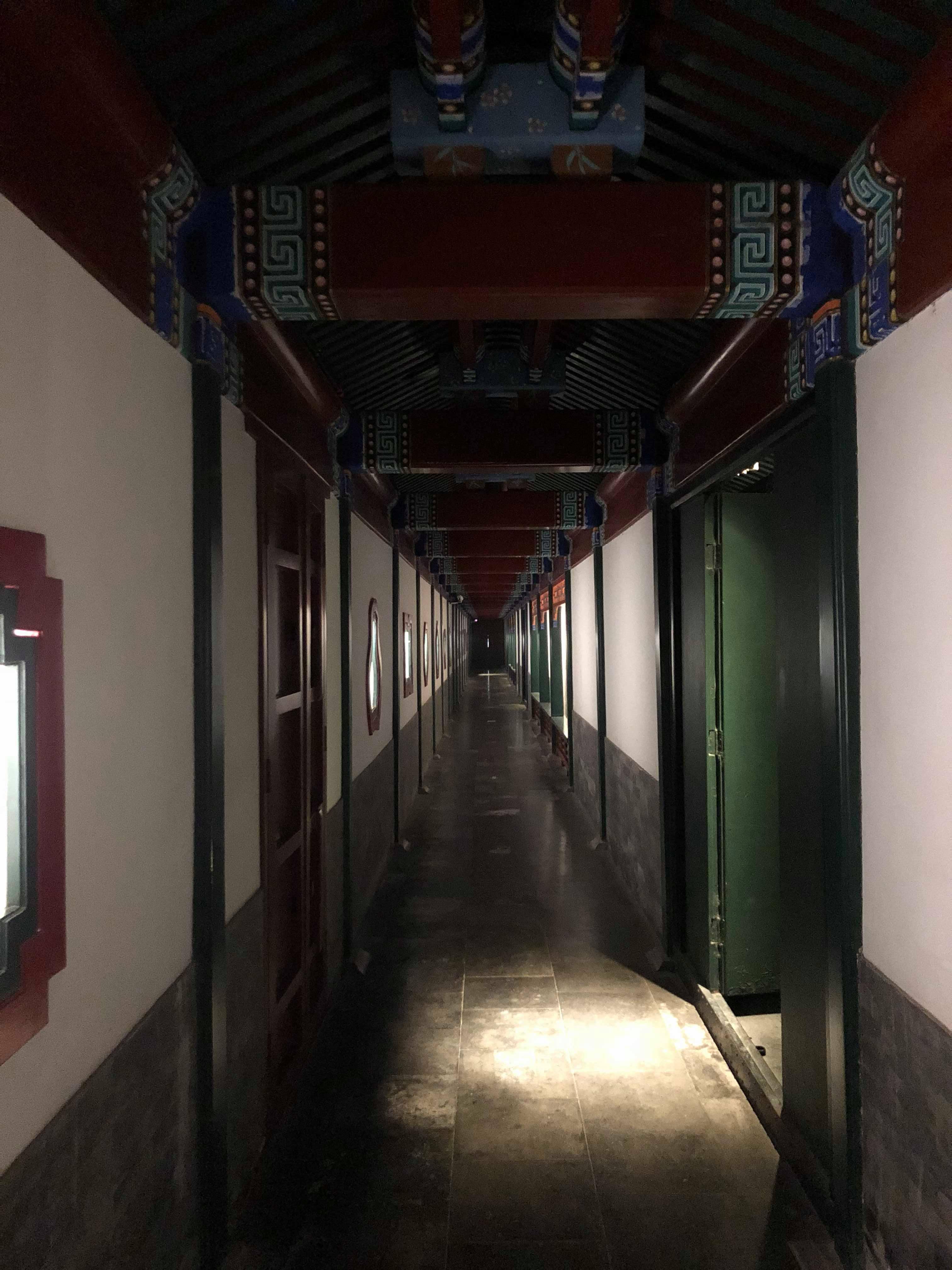 通往客房的長廊