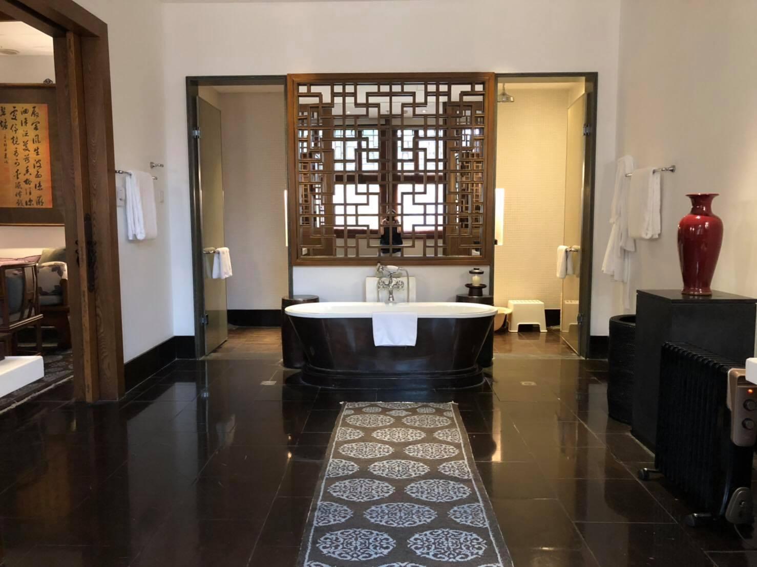 庭院套房的浴室