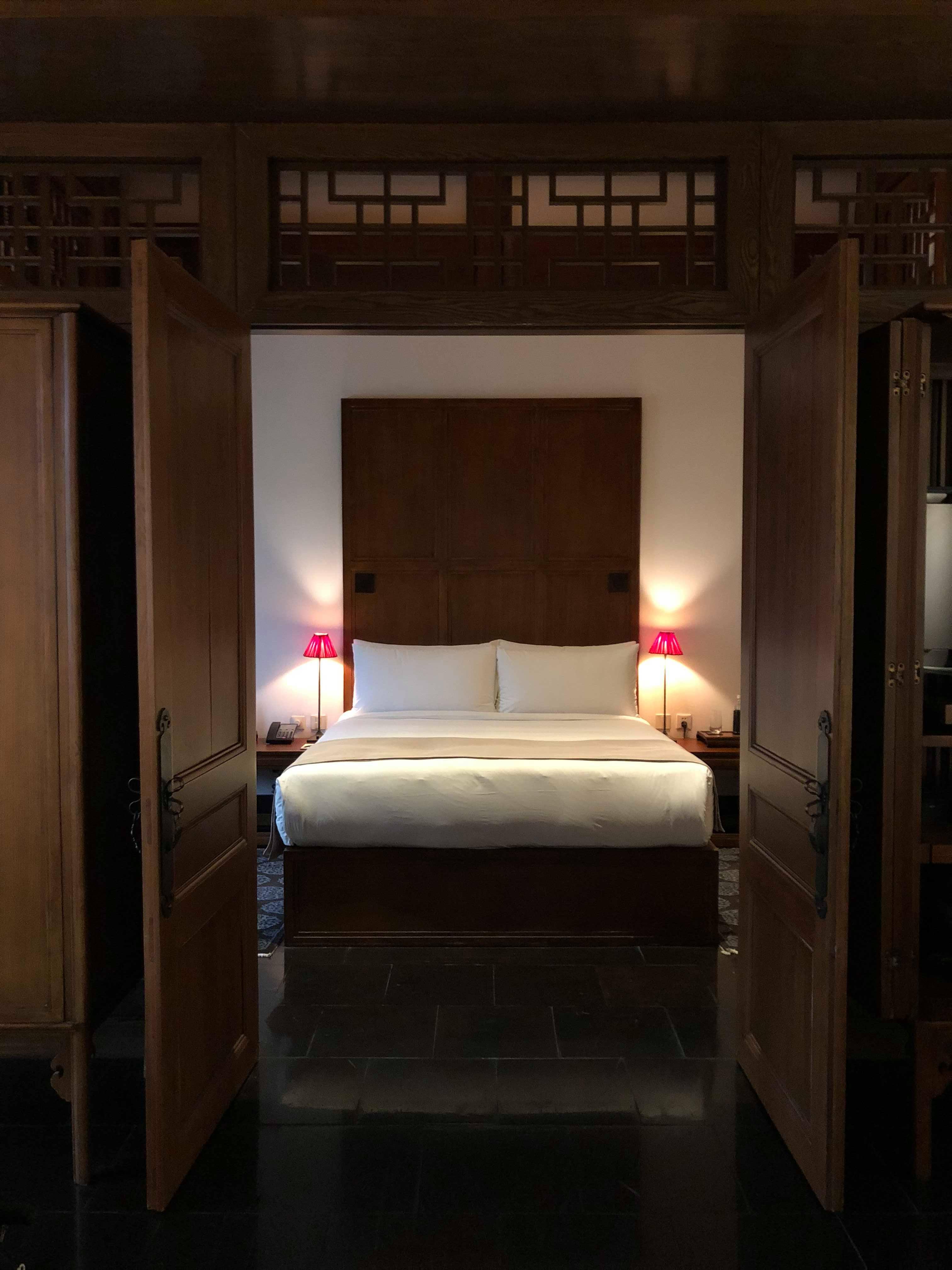 庭院套房的臥室